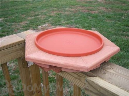 Songbird Essentials Cedar Heated Deck Bird Bath 14 in. (SE501)